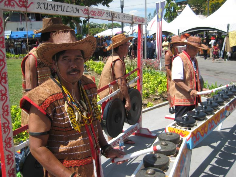 gong performance at Lun Bawang Festival